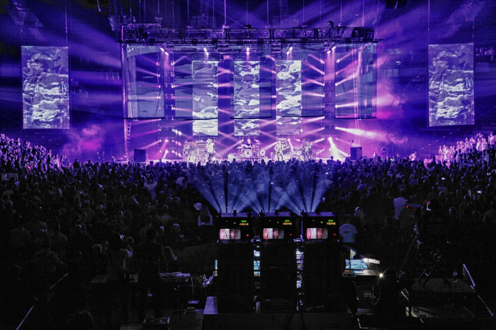 The tragically hip brings retro and modern together with harman aarhus denmark on the tragically hips latest tour lighting designer brent clark was effectively charged with creating two shows in one when the band arubaitofo Images