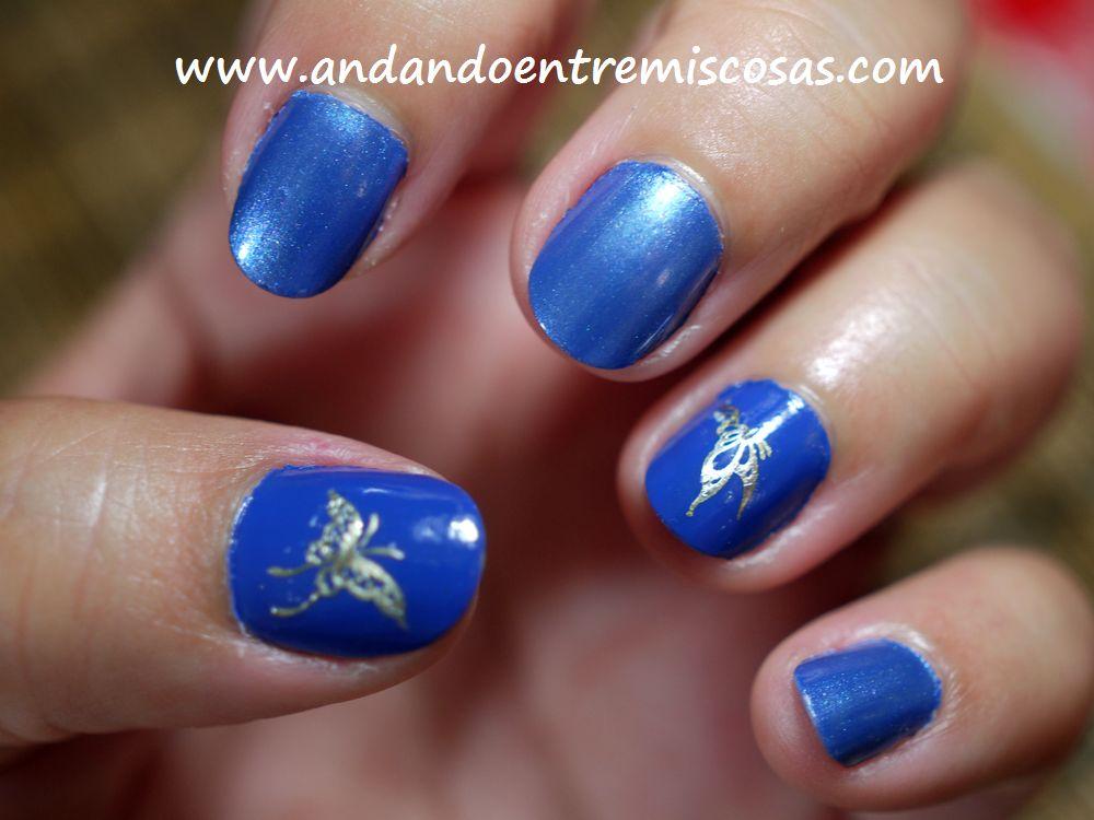 Manicura en azul