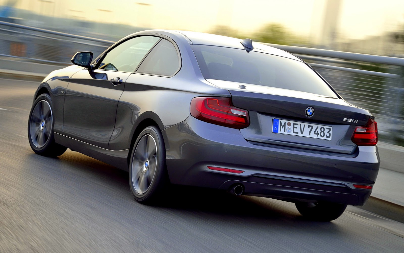bmw 220i coupe sport 2015 harga kereta di malaysia. Black Bedroom Furniture Sets. Home Design Ideas