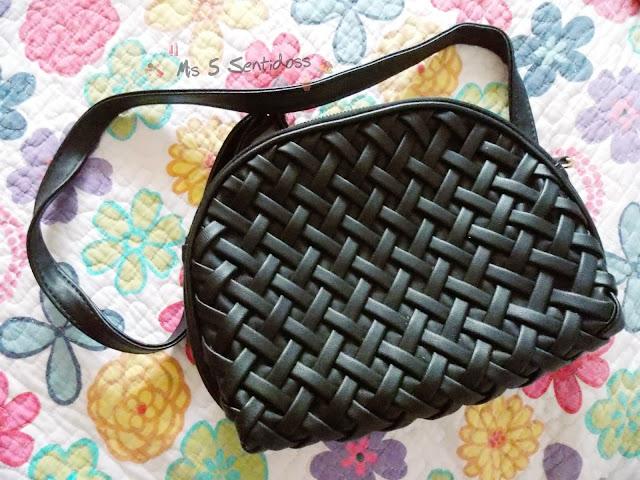 bolso negro trenzado