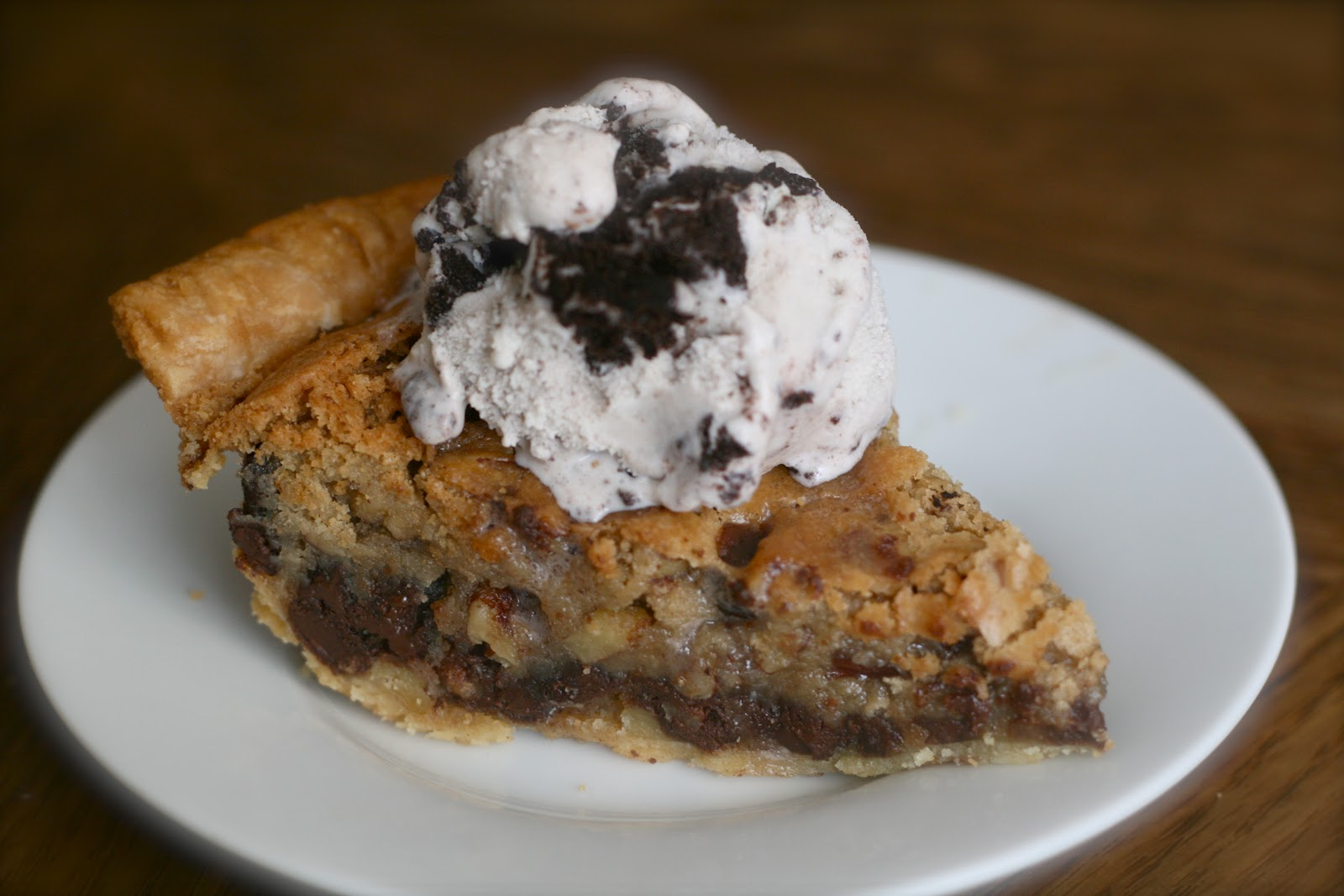 Bake - a - holic: Chocolate Chip Cookie Pie