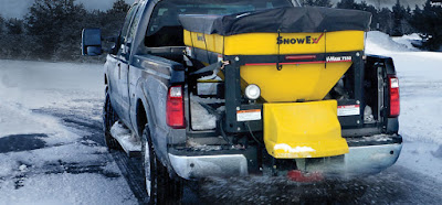 SnowEx V-Maxx salt spreader