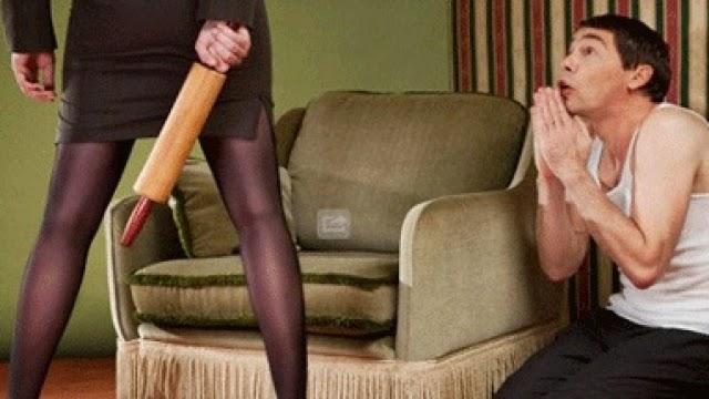 VÍDEO: Amante desnuda defiende a hombre de la golpiza de su esposa!
