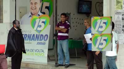 Trogloditas mascarados na campanha de Fernando Jordão