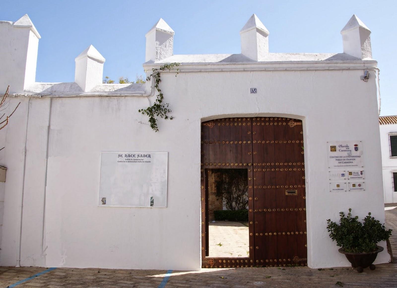 Resultado de imagen de casa de los briones Carmona