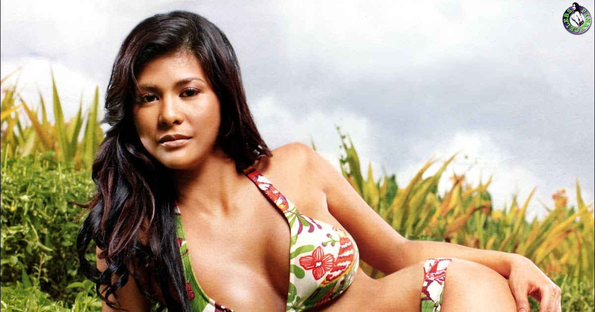 PINAY CENTERFOLDS: Roxanne Guinoo in Maxim Philippines ...