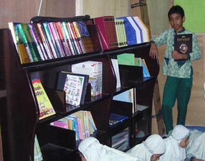 Perpustakaan SDIT Ibnu Abbas Kebumen(Ensiklopedia)
