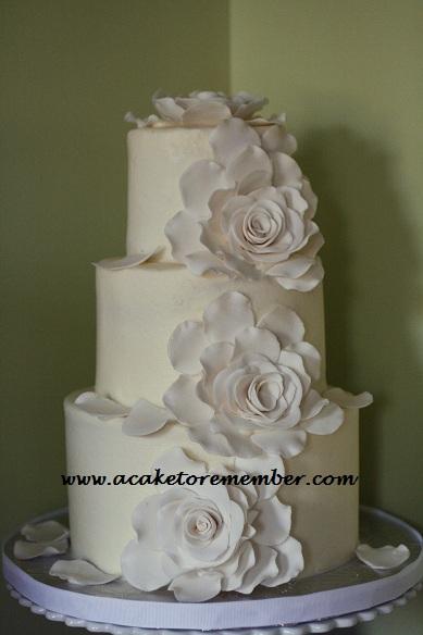 White flowers wedding cake mightylinksfo