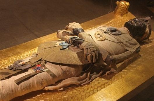 Egyptian Pharaonic civilization 7000 BC history : Tutankhamun