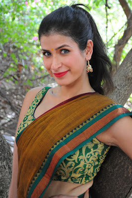 naughty sexy soniya birji photos gallery
