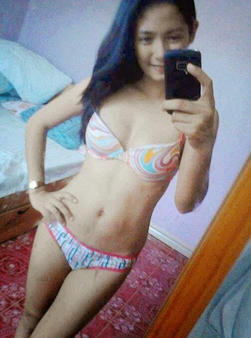 Abg Cantik Foto Selfie Setengah Bugil