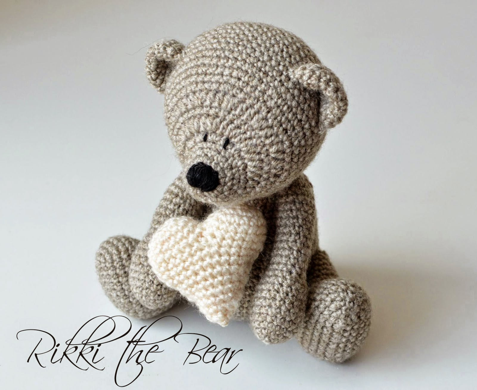 Amigurumi Free Patterns Bear : Free heart pattern and my rikki bear lillabjörn's crochet world