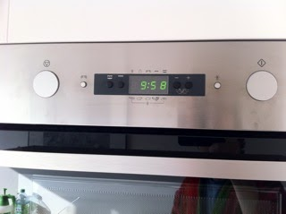 les carnets de vincent berville mais comment se r gle l 39 horloge de mon four ikea. Black Bedroom Furniture Sets. Home Design Ideas