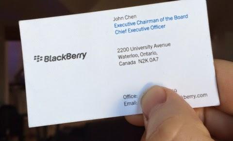 """Ayer resultó ser un muy gran desorden en cuanto a noticias de BlackBerry. Anoche Reuters publicó una breve historia que terriblemente mal cito los comentarios de John Chen, y se fue cuesta abajo desde allí. Aquí está lo que pasó: En primer lugar, Reuters publicó esta historia a las 19:45 que cita a John Chen como diciendo: """"Si no puedo ganar dinero con los teléfonos, no voy a estar en el negocio de teléfonos móviles"""". Como se trataba de una cita de una entrevista, es natural que la gente lo tomara como una declaración exacta. El único problema con esta"""