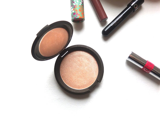 Becca x Jaclyn Hill Shimmering Skin Perfector Pressed Champagne Pop, highlight
