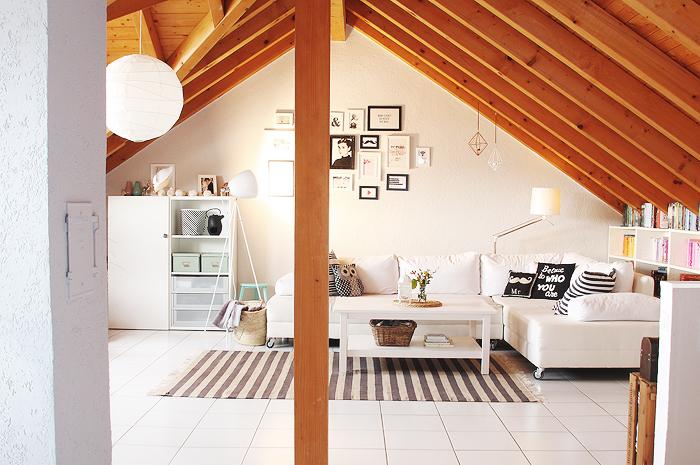 Puppenzimmer streichprojekt im wohnzimmer der kamin for Wohnzimmer mit holzdecke einrichten