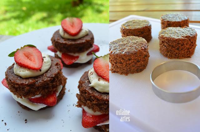 Mini Bolo de Chocolate com Morangos e Chantilly