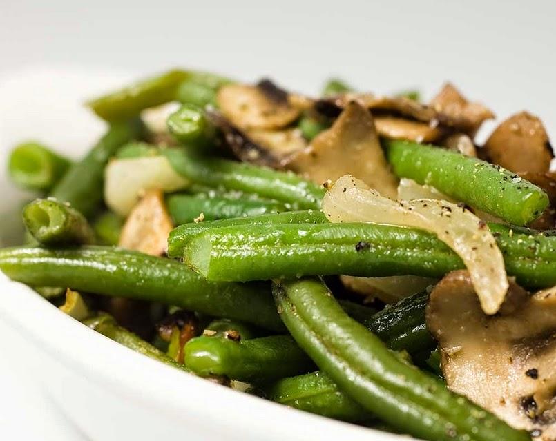 Vagens Salteadas com Cogumelos e Cebola (vegana)