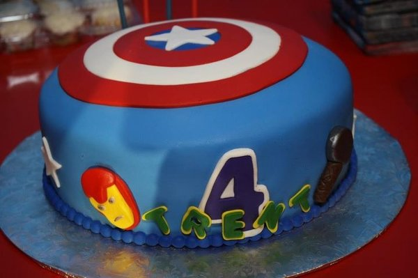 Birthday and Party Cakes: The Avengers Birthday Cakes