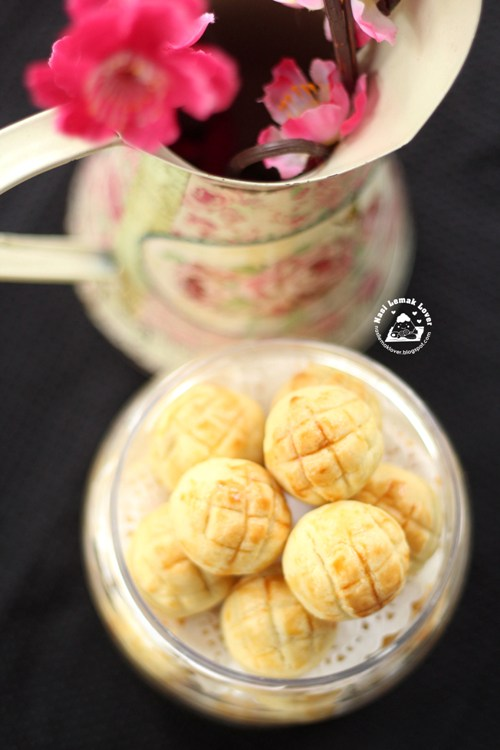 Recipe for pineapple ball cookies