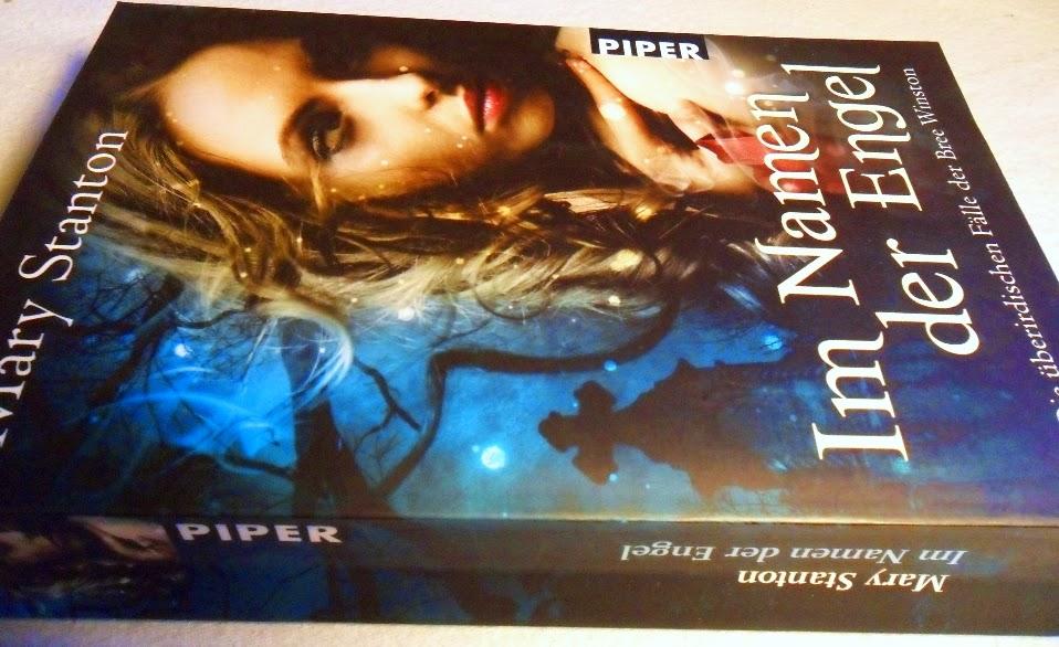 """Cover vom Buch """"Im Namen der Engel"""" von Mary Stanton"""