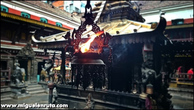Golden-Temple-Patan-Nepal_15