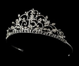 The meaning of the Quinceanera`s Tiara