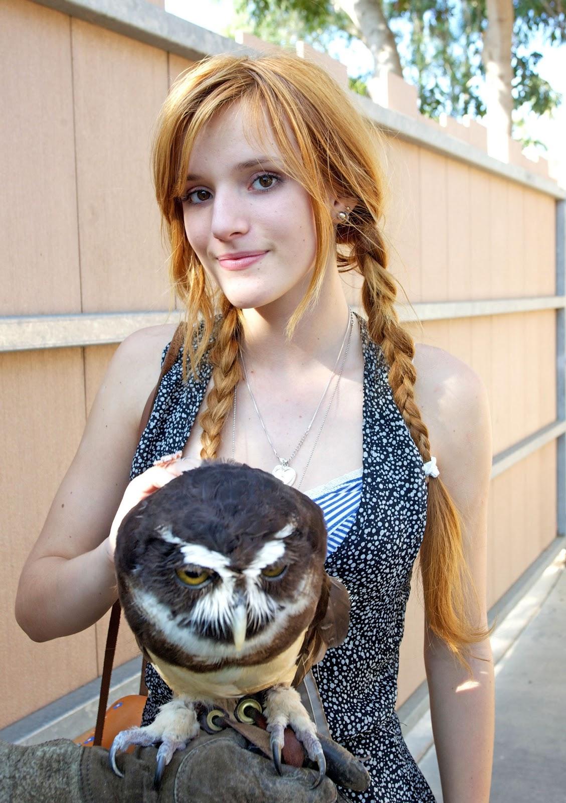 Bella Thorne En Zoologico De San Diego