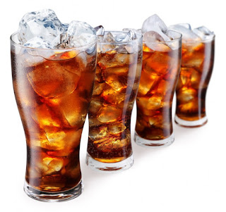 Hindari makanan dan minuman bersoda