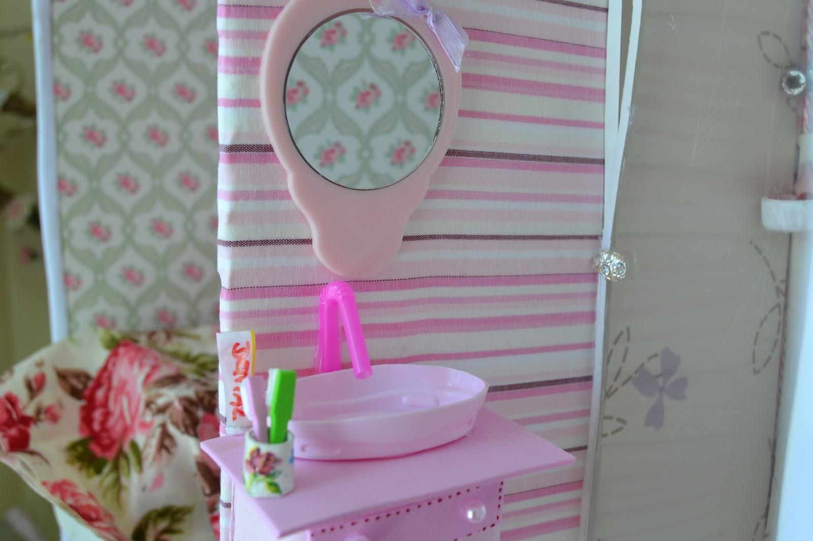 de como fazer um lavatorio pia para o banheiro da Barbie no nosso #3B6290 1600x1066 Banheiro Da Barbie Para Comprar