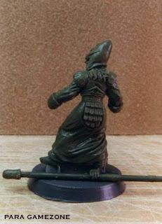 Primera miniatura esculpida por ªRU-MOR para GAMEZONE, alto elfo lancero de 28mm escala warhammer fantasy