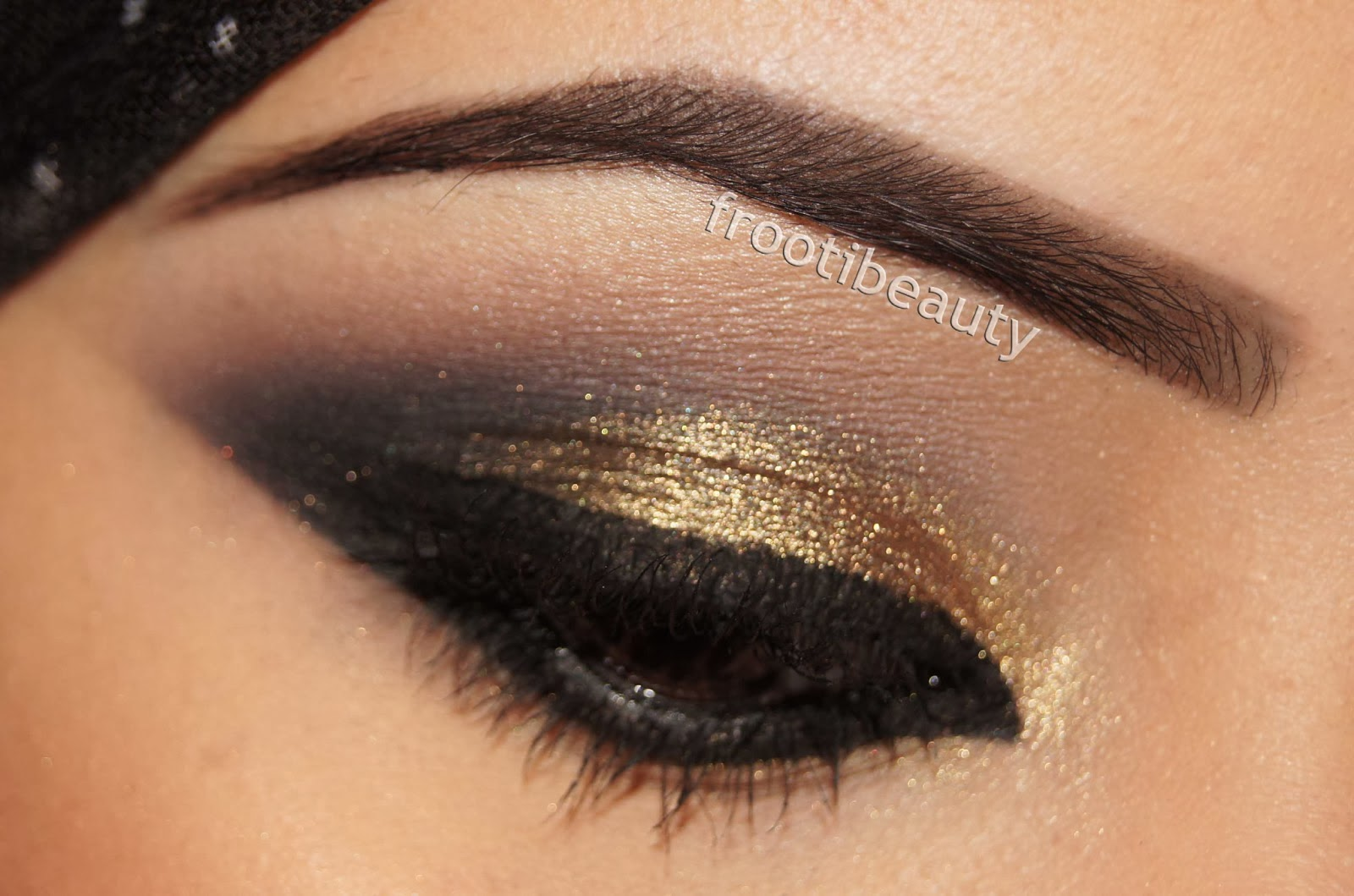 Gold Smokey Eye Bridal Makeup : Gold And Brown Smokey Eye Tutorial Images and Pictures - Becuo