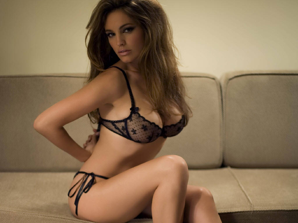 downloads: kelly brook sexy wallpaper