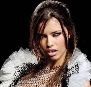 Modelo Adriana Lima