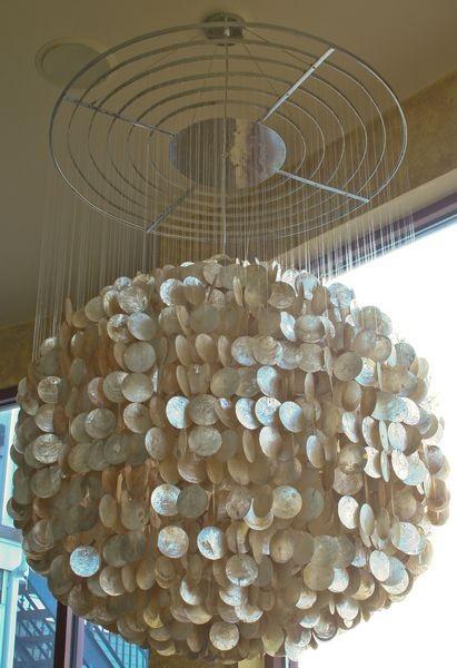Enriquecer o design interior de sua casa por fazer uso de Capiz Lighting Hanging, Home Interior Design Ideas, http://homeinteriordesignideas1.blogspot.com/