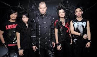 Download Lagu Triad - Ratu Dihatiku Mp3 4shared
