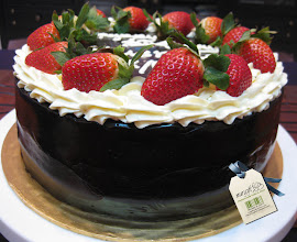 Deep Choc Strawberry Cake