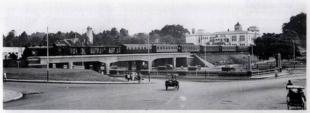 jembatan kereta