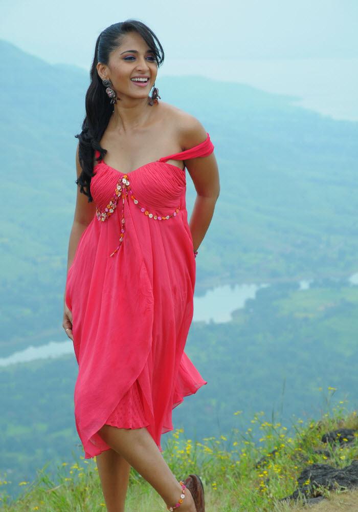 Top Hot and Cute South Indian Actress Wizard: Iniya extraordinary navel and boobs show HOT HQ