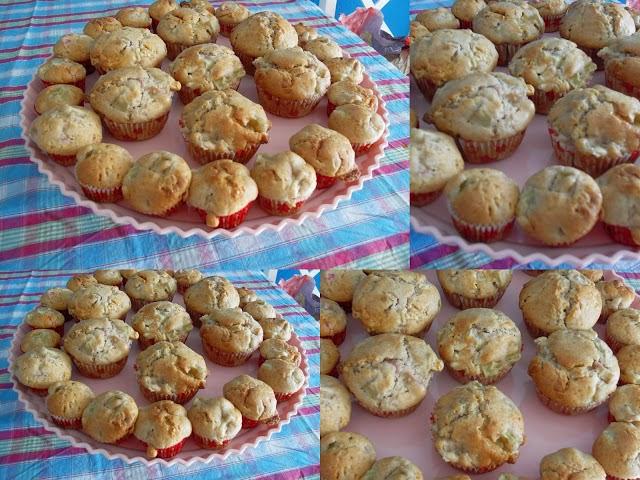 http://www.sarahskrisenherd.com/2012/04/rhabarber-muffins-mit-weier-schokolade.html