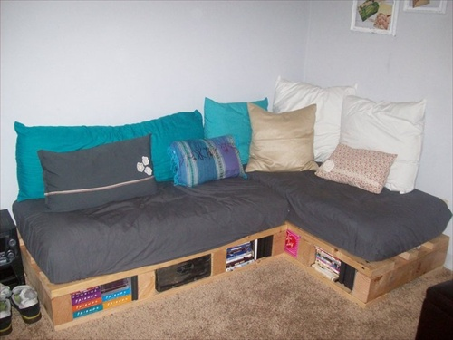 The Idea Of A Diy Pallet Couch