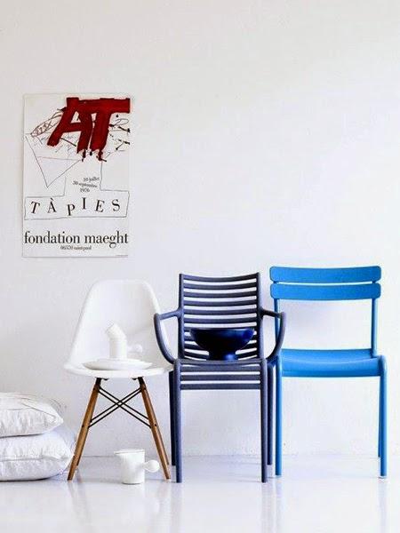 Krzesła w odcieniach niebieskiego