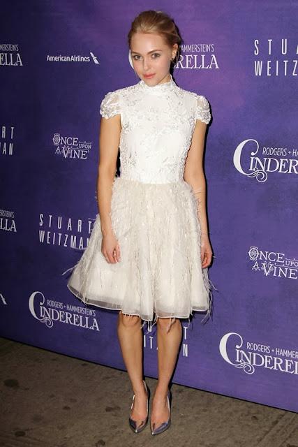 celebrity lace prom dress