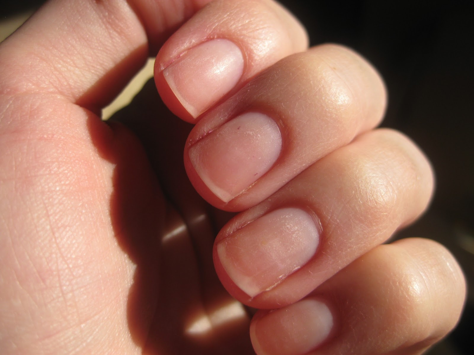 How to strengthen the nails with gelatin 68