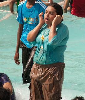 Indian naked girl on water slide place cumshot compilation