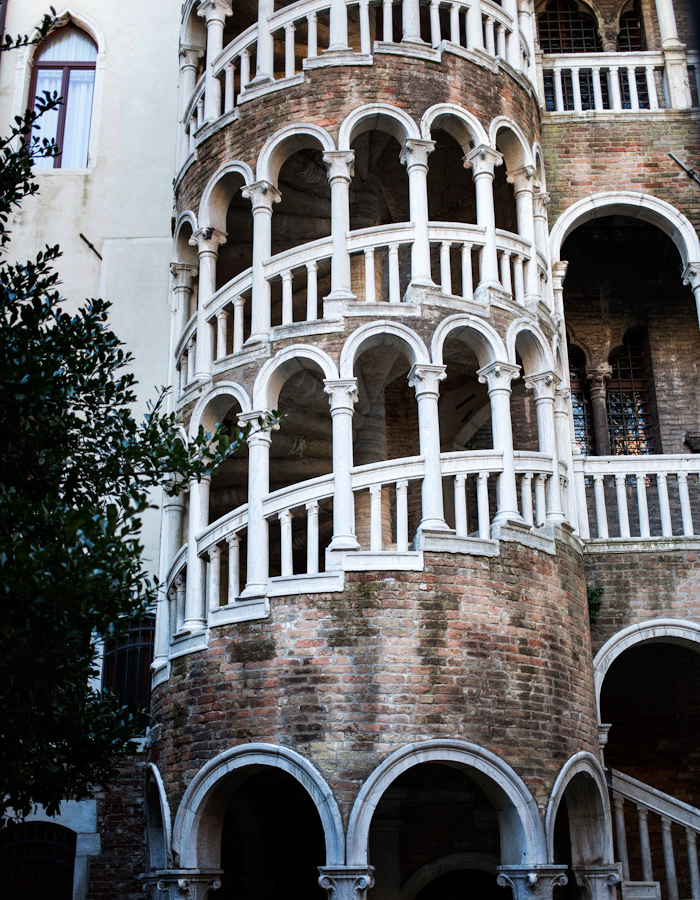 Scala Contarini del Bovolo Venice 2015 photo by Kreetta Järvenpää www.gretchengretchen.com