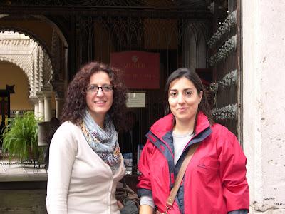 Mónica y Alicia en el Palacio de Lebrija