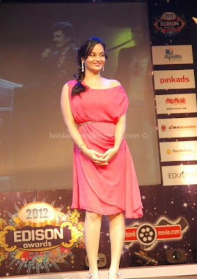Suja varunee showing her milky thigh