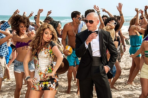 Testo E video Sexy People - Torna a Surriento Pitbull feat. Arianna