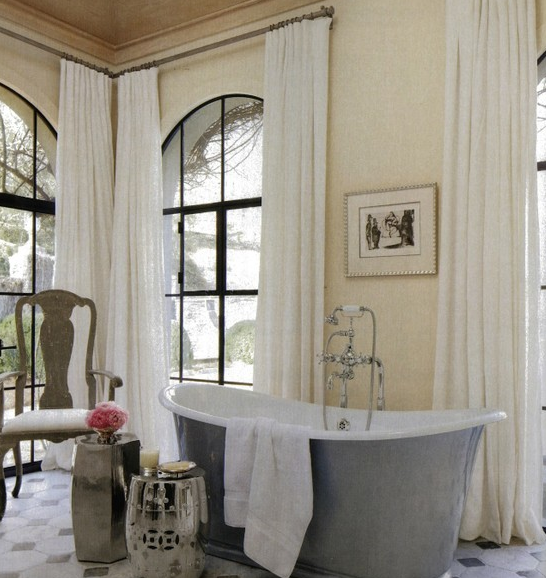 Chinoiserie chic a silver chinoiserie bathroom for House beautiful bathrooms